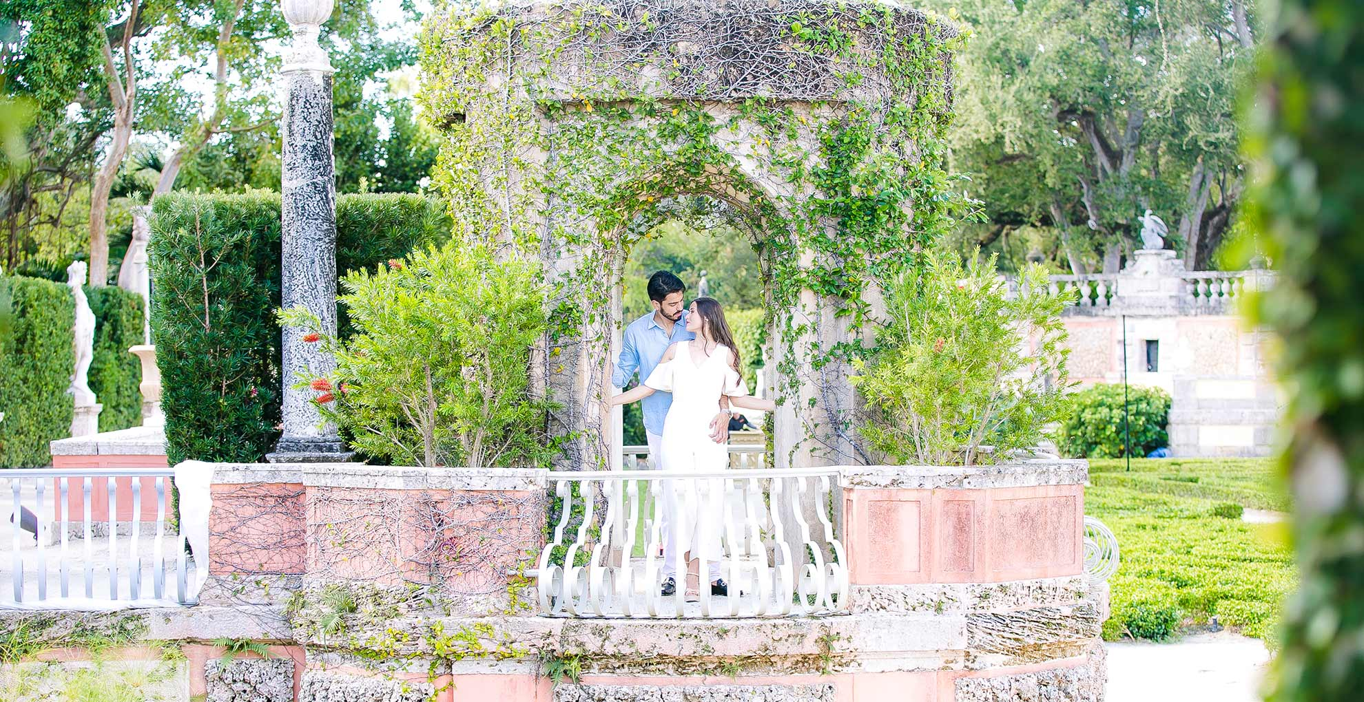 romantic engagement photoshoot at vizcaya museum and gardens, miami