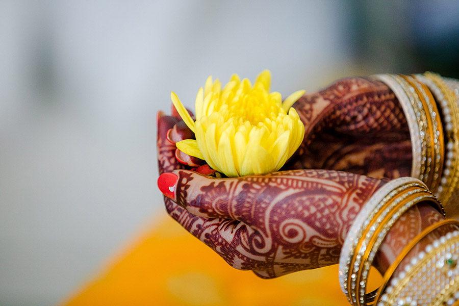 flower offering during indian wedding
