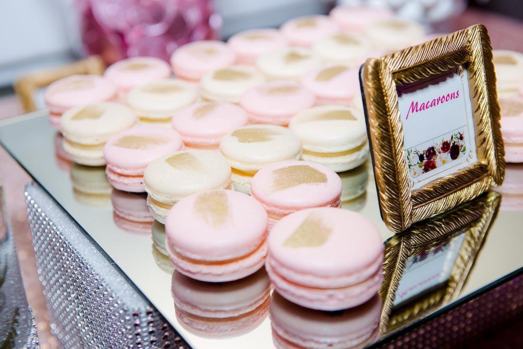 pink and gold wedding macaroons on dessert table | bonaventure resort and spa wedding photographer