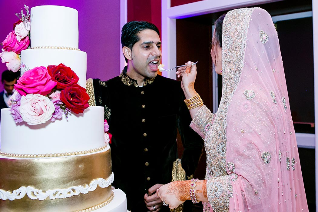 indian bride and groom portraits with their modern indian wedding cake | fort lauderdale indian wedding photographer