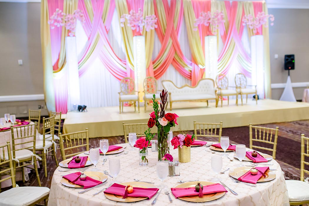 modern indian wedding decor in pink, gold and red | fort lauderdale indian wedding photographer