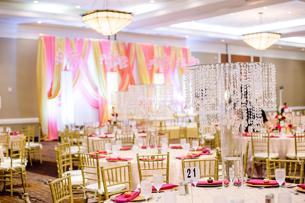 photograph of modern indian wedding decor at bonaventure resort and spa | indian wedding photographer south florida and fort lauderdale