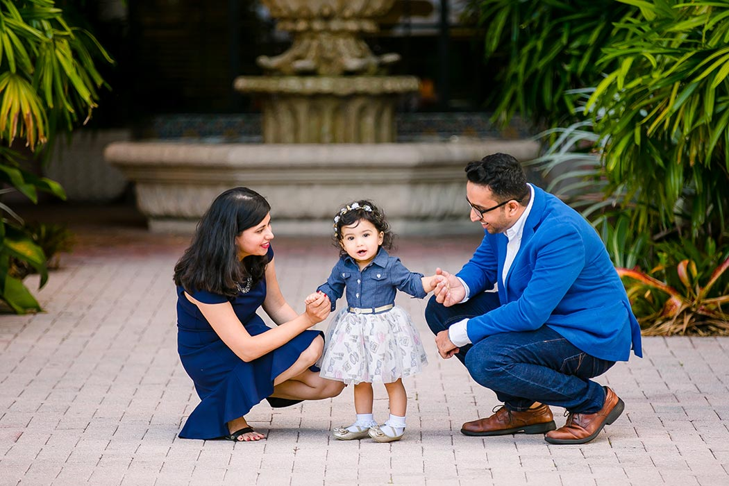 indian family photography | las olas boulevard family photographer | indian family photographer fort lauderdale
